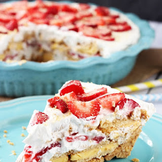 No Bake Strawberry Lemon Cookie Pie.