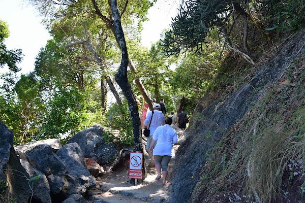 Walk around the James Bond Island