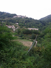 Photo: The suspension foot-bridge to Mammiano Basso