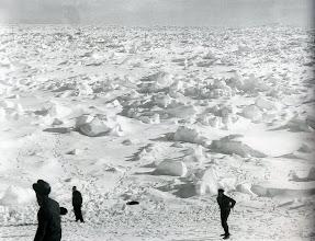Photo: excursion por el hielo, 14 enero , 74º 10´sur 27º 10´oeste