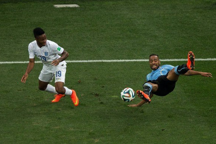 A peine recruté, Alvaro Pereira écope d'une sérieuse suspension
