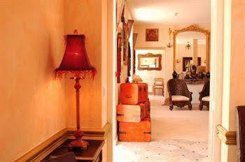 Hotel The Originals Domaine des Thômeaux