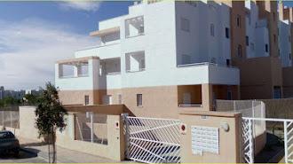 Residencial  con varias viviendas a la venta en el barrio almeriense de Retamar.
