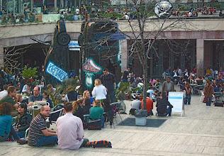 """Photo: """"Dziura"""" na Deak tér - ulubione miejsce spotkań młodzieży i studentów (38)"""
