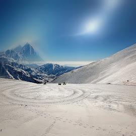 ski resort by Fereshteh Molavi - Landscapes Mountains & Hills ( snow, mounts, slopes, people, sun )