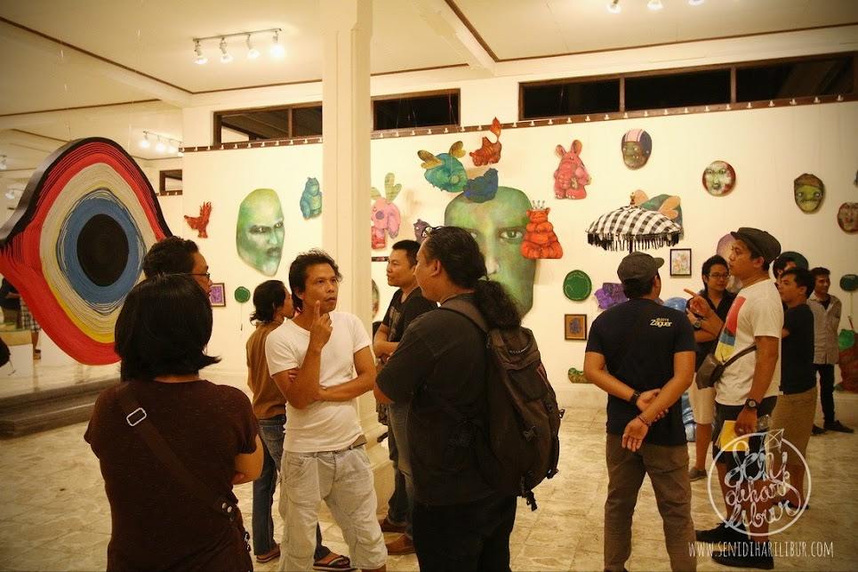 Ramain pengunjung Genetik oleh Sanggar Dewata Indonesia di Arma Museum