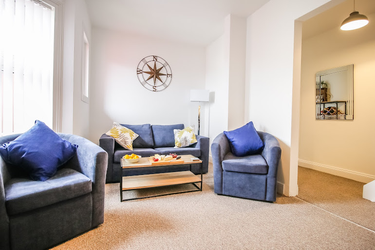 Comfy living space at Lake View Superior Apartment
