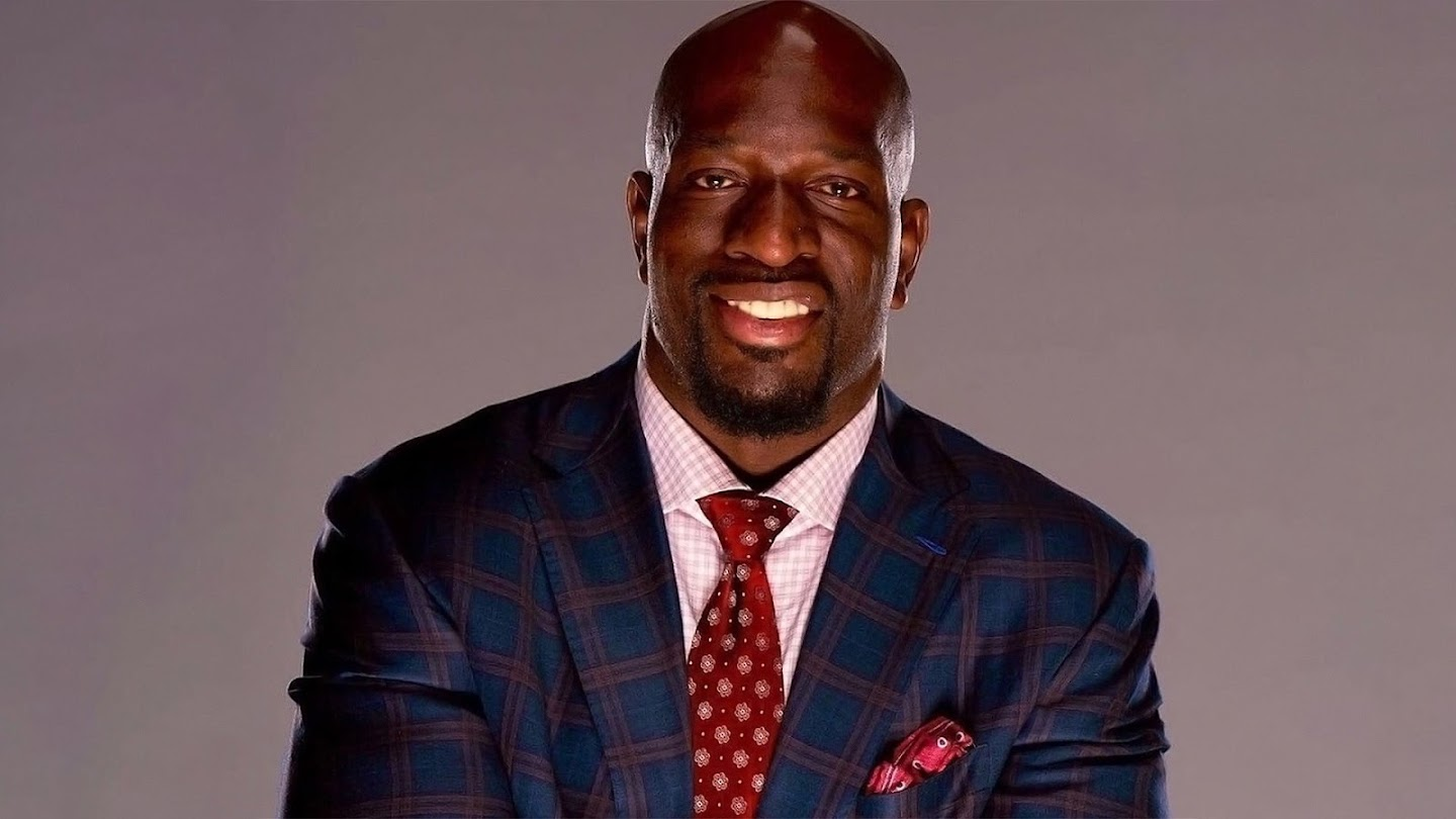 Watch Homecoming with Titus O'Neil live
