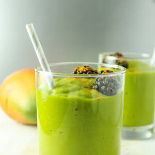 Mango Turmeric Green Smoothie.
