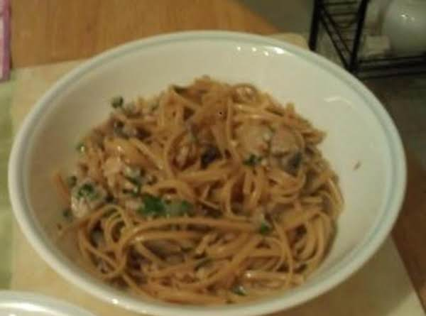 Linguine With Clam & Mushroom Sauce Recipe