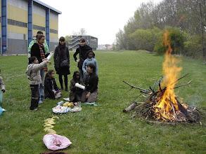 Photo: La récompense : un feu et un goûter !