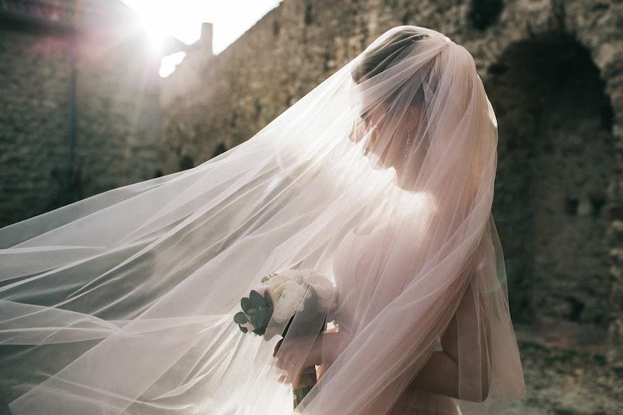Wedding photographer Roman Pervak (Pervak). Photo of 17.08.2017