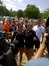 Photo: Annie Martin and Marie-Andrée Lessard pose for cameras after the victory.