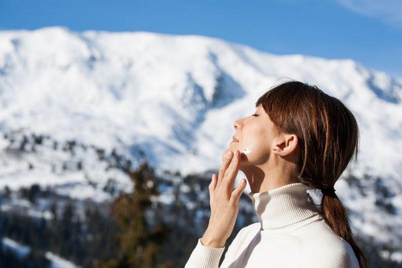 C:\Users\Administrator\Desktop\7 tips chăm sóc da mùa đông cô nàng nào cũng nên thuộc lòng (7).jpg
