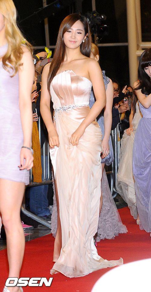 yuri gown 14