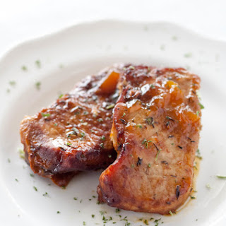 Slow Cooker Peach Glazed Pork Chops