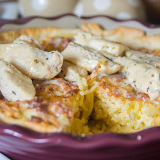 Copy Cat Olive Garden Chicken Alfredo Spaghetti Pie