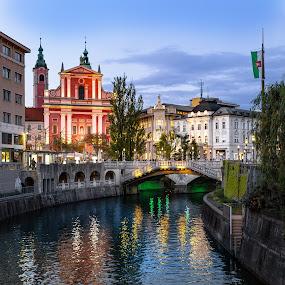 Prešeren square by Jernej Lah - Buildings & Architecture Public & Historical ( lights, water, blue sky, slovenija, slovenia, ljubljana, bridge, square, prešeren, bridges, capital, si, river )