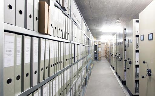 Gestion des archives entrées récolement éliminations communications description indexation aide au classement instrument de recherche éditions statistiques