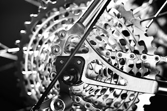 Photo: Paragon dropouts, stainless faces on the eyelets and smooth finishing on the seat and chainstay tabs.