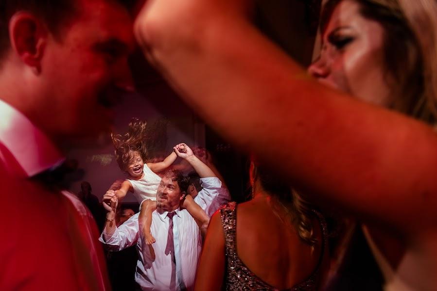 Wedding photographer Luis Virág (luisvirag). Photo of 15.05.2017