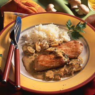 Hühnerbrust mit Waldpilz Sauce, Apfel, Jungzwiebel