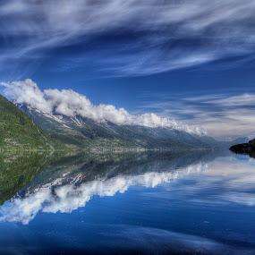 Sørfjorden  by Sigbjørn Fjellheim - Landscapes Weather