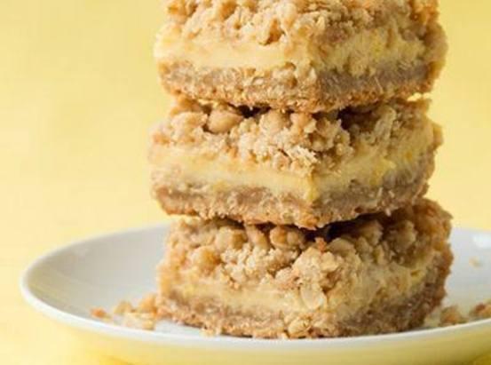 Lemon Creme Crumb Bars Recipe