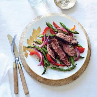 Sizzling Skirt Steak with Asparagus and Red Pepper.
