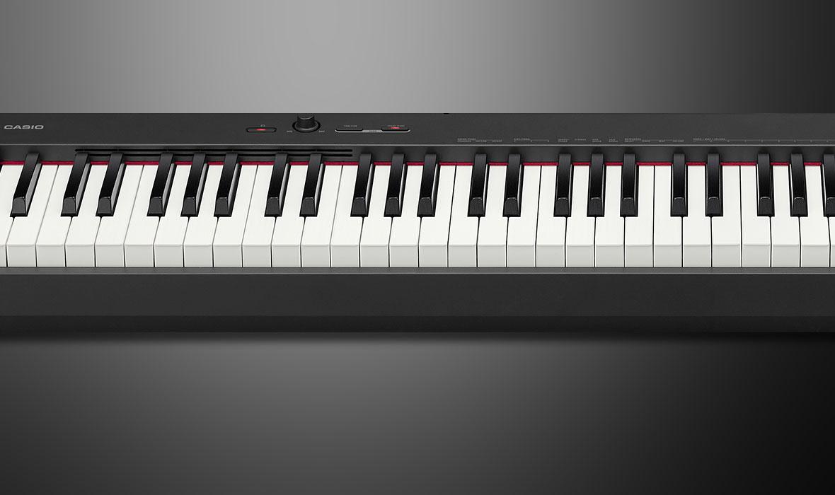 Đàn piano điện CDP-S150 với độ nhạy phím hoàn toàn giống với 1 cây đàn acoustic piano vì vậy rất phù hợp với những ai mong muốn tập luyện những bản nhạc piano đòi hỏi kỹ thuật ngón đàn cao.