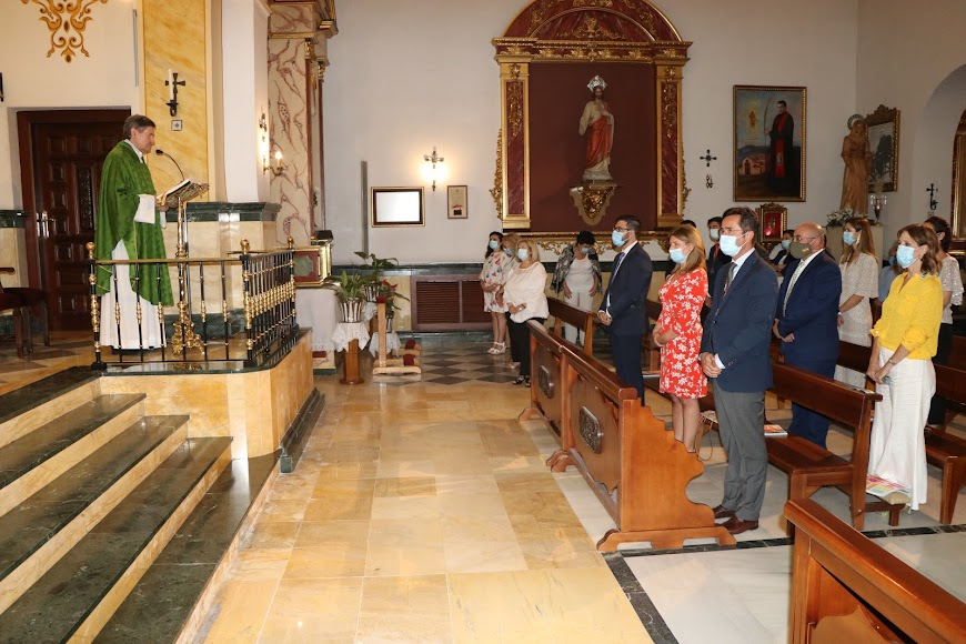 La misa ha estado oficiada por el párroco Don Mariano Delgado.