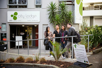 Photo: Embassy Auckland students outside residence accommodation City Lodge.