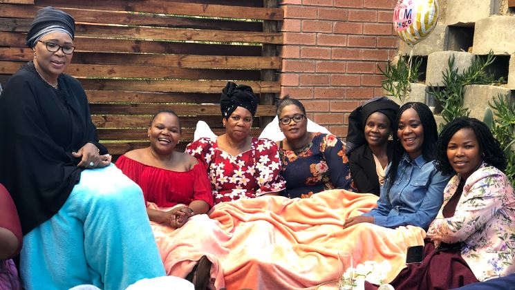 Ma Zoe was visited by several celebs for Mother's Day.