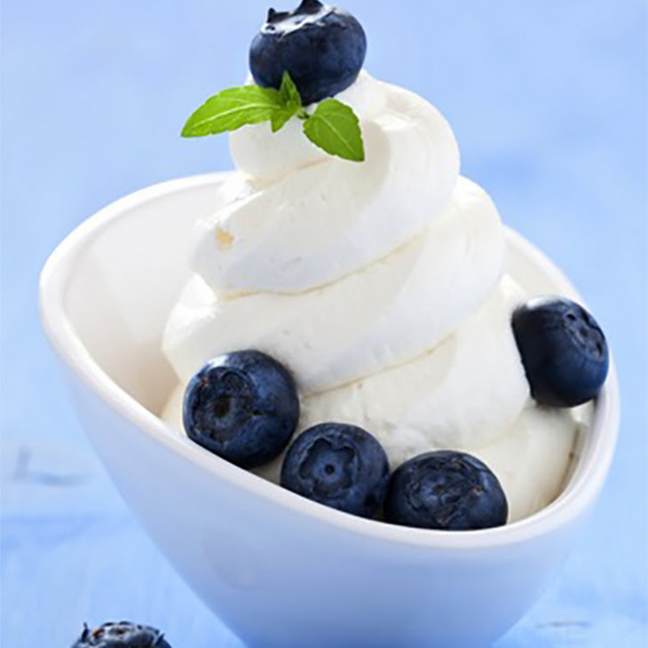 Creamy Vanilla Frozen Yogurt Recipe