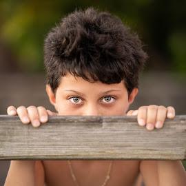 looking at me  by Michel Vandermeersch - Babies & Children Child Portraits ( young boy, beautiful, reunion, boy, eyes )