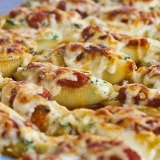 Shells Stuffed With Spinach And Cheese