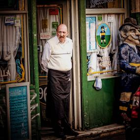 Where are the customers? by Edi Libedinsky - People Street & Candids ( urban, store, street, candid, customer, city,  )