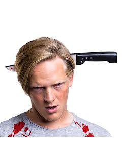 Zombiekniv genom huvudet