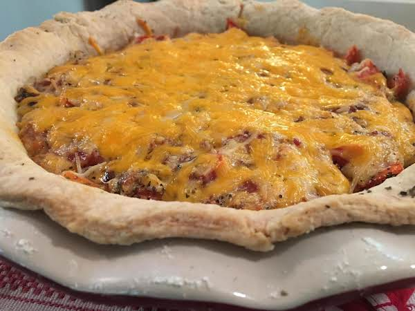 Garden Fresh Tomato And Bacon Pie