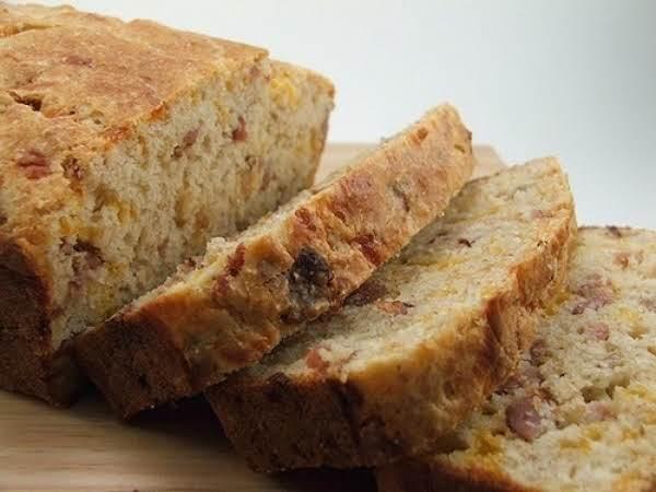 Delicious Cheddar Bacon Bread