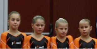 Photo: Turnmaatjes Pupil 1, niv 7; van L naar R: Linde, Kim, Eline, Lisa
