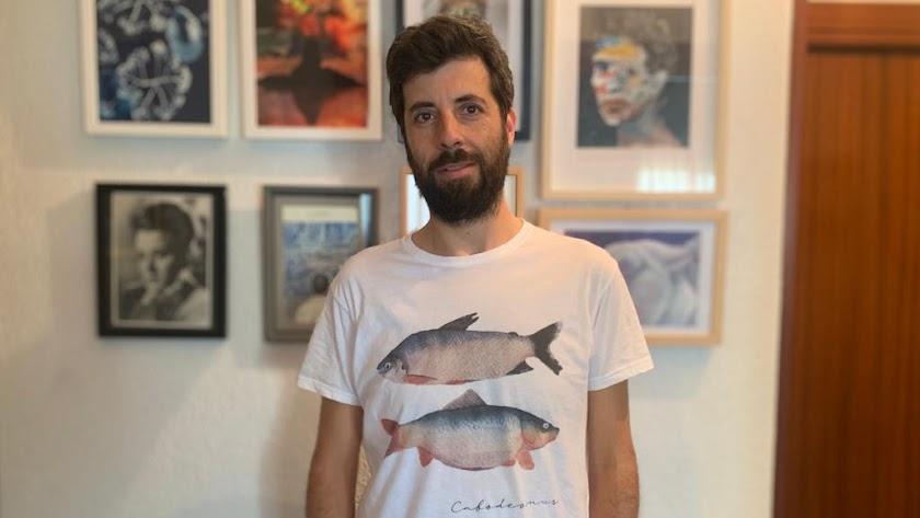 Manuel Capilla es un rostro habitual del circuito cultural almeriense.