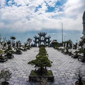 Monkey Mountain, Đà Nẵng by Wahan Shahbazian - Buildings & Architecture Places of Worship ( đà nẵng, temple complex, vietnam, square, monkey mountain, buddha )