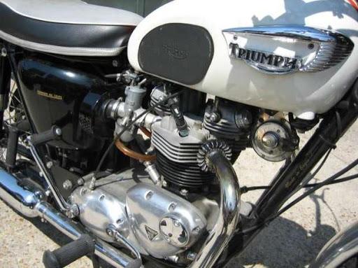 destinée au marché américian, cetteTriumph Bonneville de 1966 a été restaurée restaurée par Machines et Moteurs en 1999