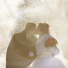 Wedding photographer Vladimir Zinovev (LoveOneDer). Photo of 30.01.2014