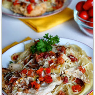 Recipe for Slow Cooker (crock-pot) Chicken with Bacon, Tomatoes and Artichokes.