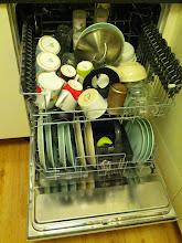 Photo: Široká myčka!!! Vejde se do ní skoro všechno naše nádobí :D