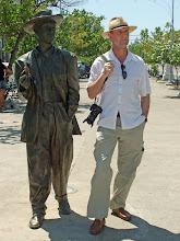 Photo: Statue of Benny More.