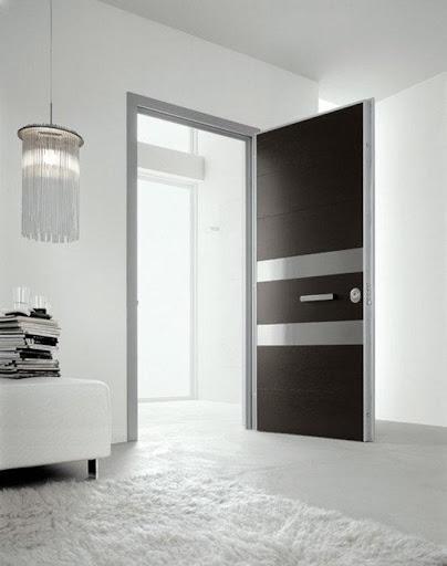 ミニマリストのドアのデザイン