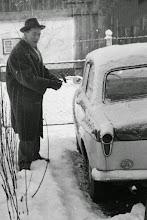 Photo: Onkel Toni mit Goggomobil